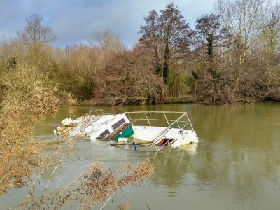 Sunk boat on the River Thames above Abingdon